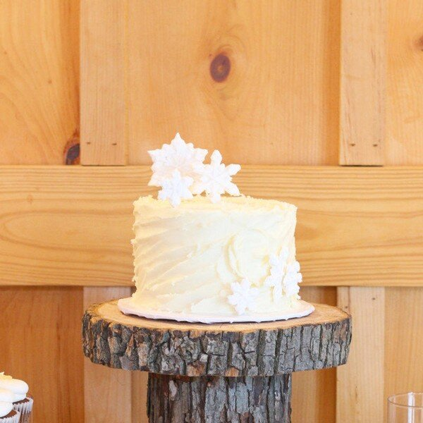 Traditional wedding cakes gallery - Wedding cakes   Dessert Table ...