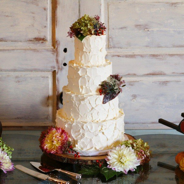 Dessert Table Wedding Cake: Traditional Wedding Cakes Gallery
